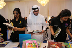 Over 400 Multinational Volunteers Help Dubai Cares Prepare Donation Boxes in Reading Nation Campaign