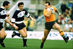 Rugby World Cup Winning Legends Mike Tindall & David Campese Join Celebrity Team at 2017 Abu Dhabi I ...