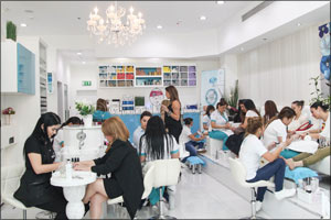 Re-Salons and Spas organized a one-of-a-kind beauty event �Beyond the Mani-Pedi'