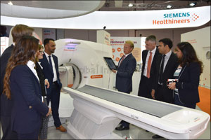 Siemens Healthineers introduces world's first mobile operative CT scanner to improve patient comfort