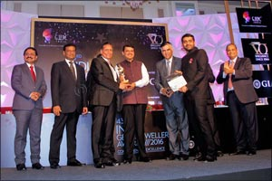 Bafleh Jewellery receives the highest importer of the year award