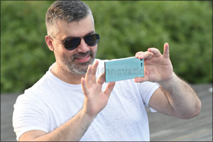 Sony Mobile Xperia XZ Premium features in Arab star Fares Karam's new music video