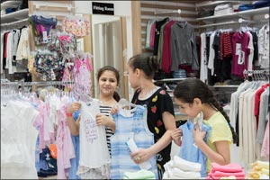 Dubai Outlet Mall and the UAE Red Crescent join hands to give free Eid clothing to 50 underprivilege ...