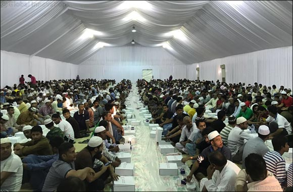 G4S, in partnership with UAE Red Crescent, helps distribute free Iftar meals at Jebel Ali tents