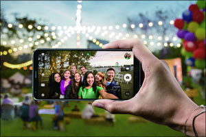 LG's Connected Technology Puts the World at Your Fingertips During Your Holiday Vacation.