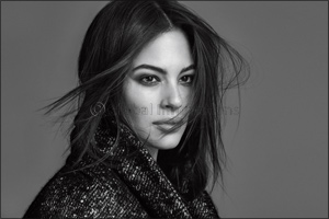 Marina Rinaldi : Ashley Graham continues her role as the face  of the brand for the Fall/Winter17 ca ...