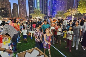 Join in the Bubble and Balloons Fiesta at Dubai Marina Mall
