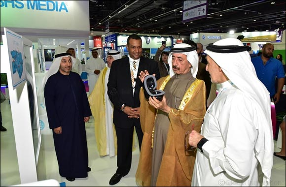 His Highness Sheikh Hasher bin Maktoum bin Juma Al Maktoum Visits du's Stand on Day One of CABSAT 2018