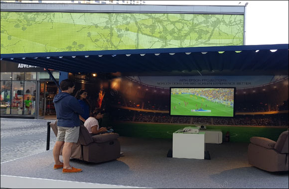 Epson's pop-up Containers at CityWalk 2 and The Beach entertain sports and gaming enthusiasts