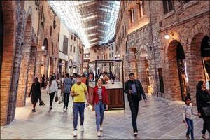 Village Street Sale at The Outlet Village offers designer outfits at great prices
