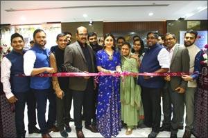 Kareena Kapoor Khan launches 216th global showroom of Malabar Gold & Diamonds in Delhi, India