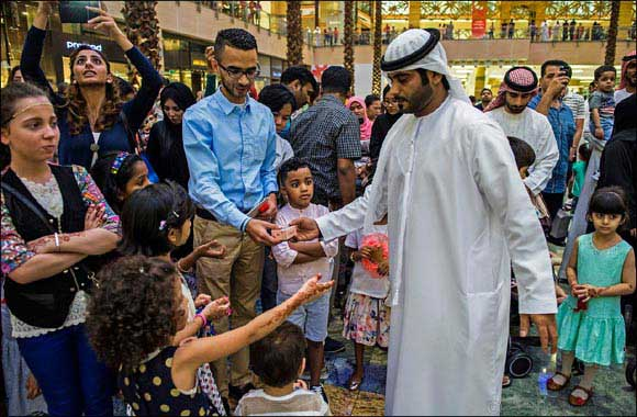 Hamdan Bin Mohammed Heritage Center distributes Eidia on first day of Eid