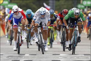 UAE Team Emirates' Alexander Kristoff Narrowly Misses Out on a Stage Win in a Tight Sprint Finish
