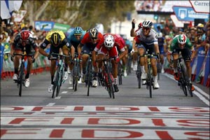 Simone Consonni Earns Another Top Five Finish for UAE Team Emirates in Stage 6 at La Vuelta