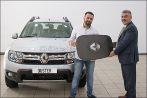 �Renault Al Babtain� Awards the Lucky Winner of �Asdaa Al Aalam� TV Show with Renault Duster