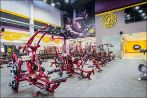 Gold's Gym Supports Dubai Fitness Challenge 30x30 with Free Fitness Classes