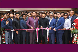 Bollywood Actor Anil Kapoor inaugurated 2 new outlets of Malabar Gold & Diamonds in UAE which was wi ...