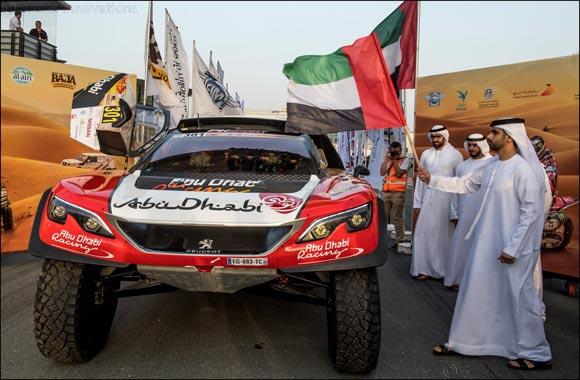 Sheikh Mansoor flags off competitors in Dubai International Baja