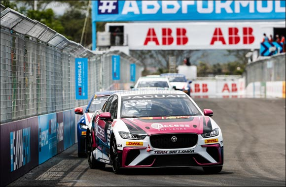 Cacá Bueno Wins Hot and Humid  Jaguar I-Pace Etrophy Race in Sanya