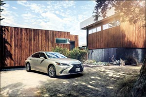 Lexus ES 300h crowned �Best Midsize Luxury Sedan' at Middle East Car of the Year awards 2019