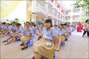 Dubai Cares delegation visits Vietnam to launch a three-year program that addresses the lack of chil ...