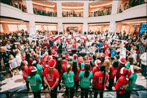 Mall of the Emirates' show-stopping Stollen Charity Cake Sale raises more than AED 105,000 for Emira ...