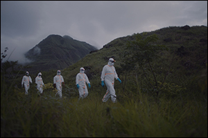 National Geographic Premieres Virus Hunters: A Chilling Chronicle of the Heroic Experts on the Front ...