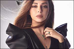 L'azurde Unveils New Instyle Collection with the Queen of Stage Myriam Fares