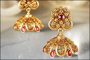Tanishq Reiterates Promises and Commitment to Regional Customers