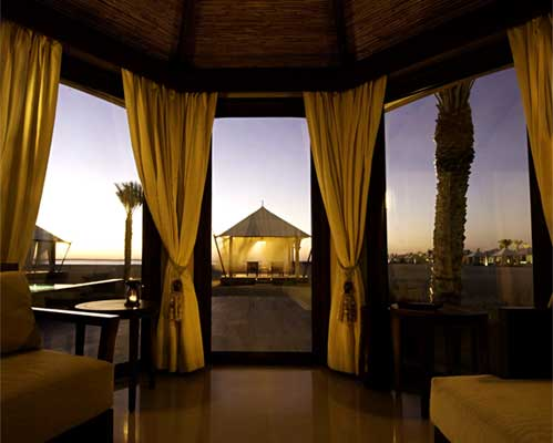 REDISCOVER ROMANCE WITH THE ARABIAN PEARL RETREAT EXPERIENCE AT BANYAN TREE RAS AL KHAIMAH BEACH