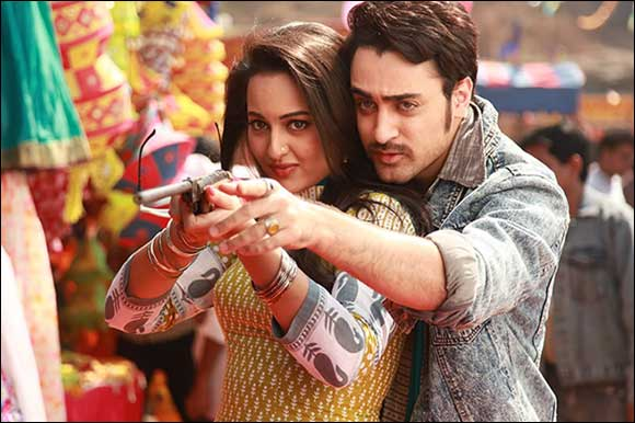 Imran and Sonakshi Sizzle on the Silver Screen in Once Upon A Time In Mumbai Dobaara