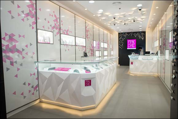 Malabar Gold and Diamonds' launches concept boutique – Pink Chic