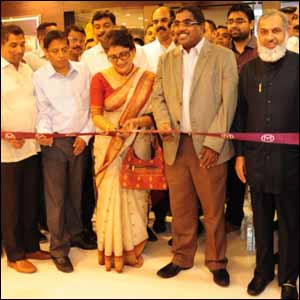 Malabar Gold & Diamonds starts in Kolkata.