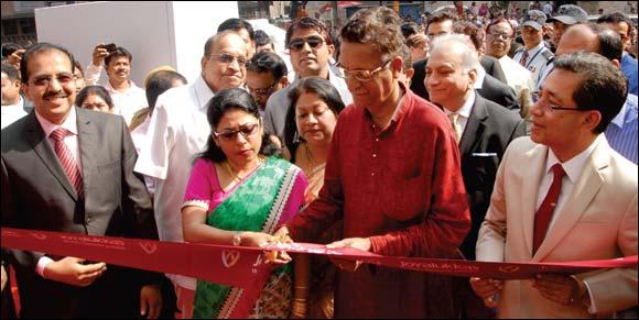 Joyalukkas -The world's favourite jeweller, ventures into Kolkata.