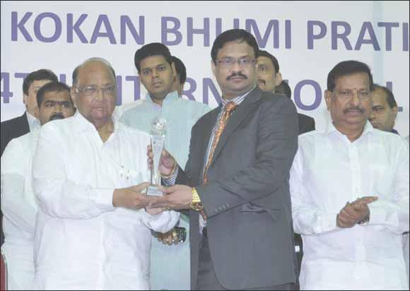 Masala King Dhananjay Datar honoured with Kokan Global Personality Award