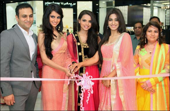 JASHN unveils at Al Wahda mall by 3 crowned beauties of Femina Miss India 2014