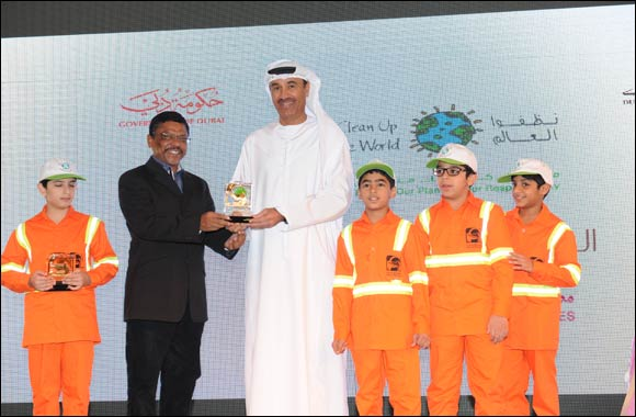 Malabar Gold & Diamonds join hands with Dubai Municipality to support the initiative 'Clean up the world 2014'