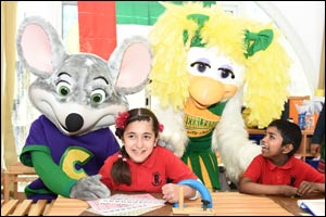 Make a funny face! Chuck E. Cheese Oud Metha Funniest Face Challenge