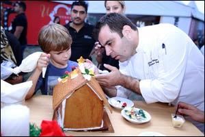 Samsung Mixes Festive with Family at the Dubai Christmas Festival