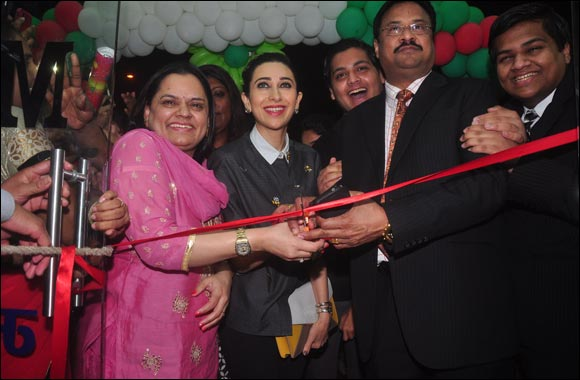 Al Adil's first outlet in India inaugurated by Karisma Kapoor