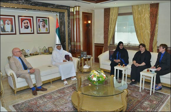 Dubai Customs receives a delegation from Montessori Model United Nations