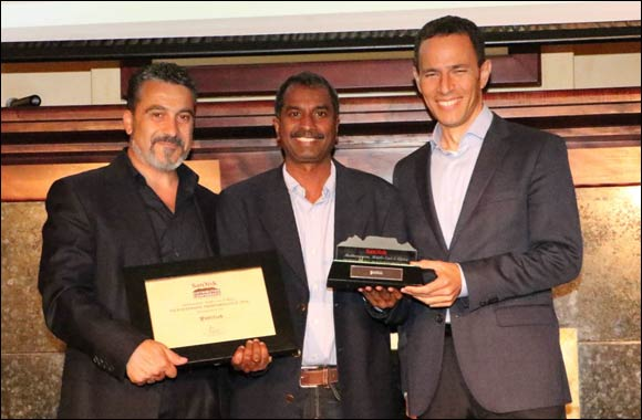 SanDisk honors Publilink with Outstanding Performance Certificate